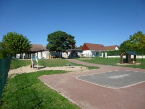 PHOTO-ECOLE-MATERNELLE de Toulon-sur-Allier